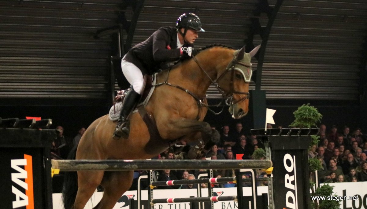 Marc Houtzager grijpt zege in Grote Prijs Jumping Amsterdam