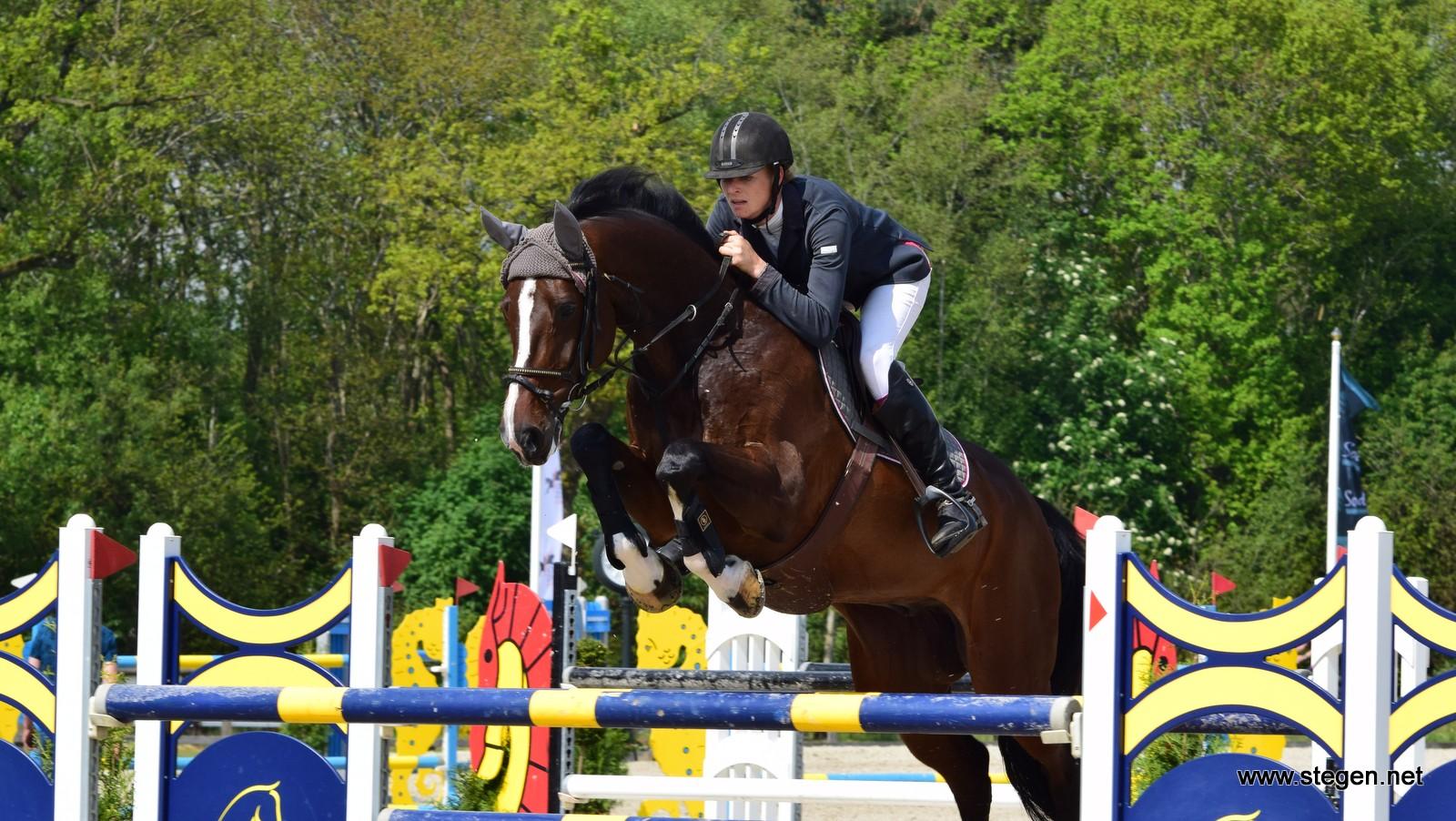 Marcelle Hokse pakt hoofdprijs Paard Balkbrug