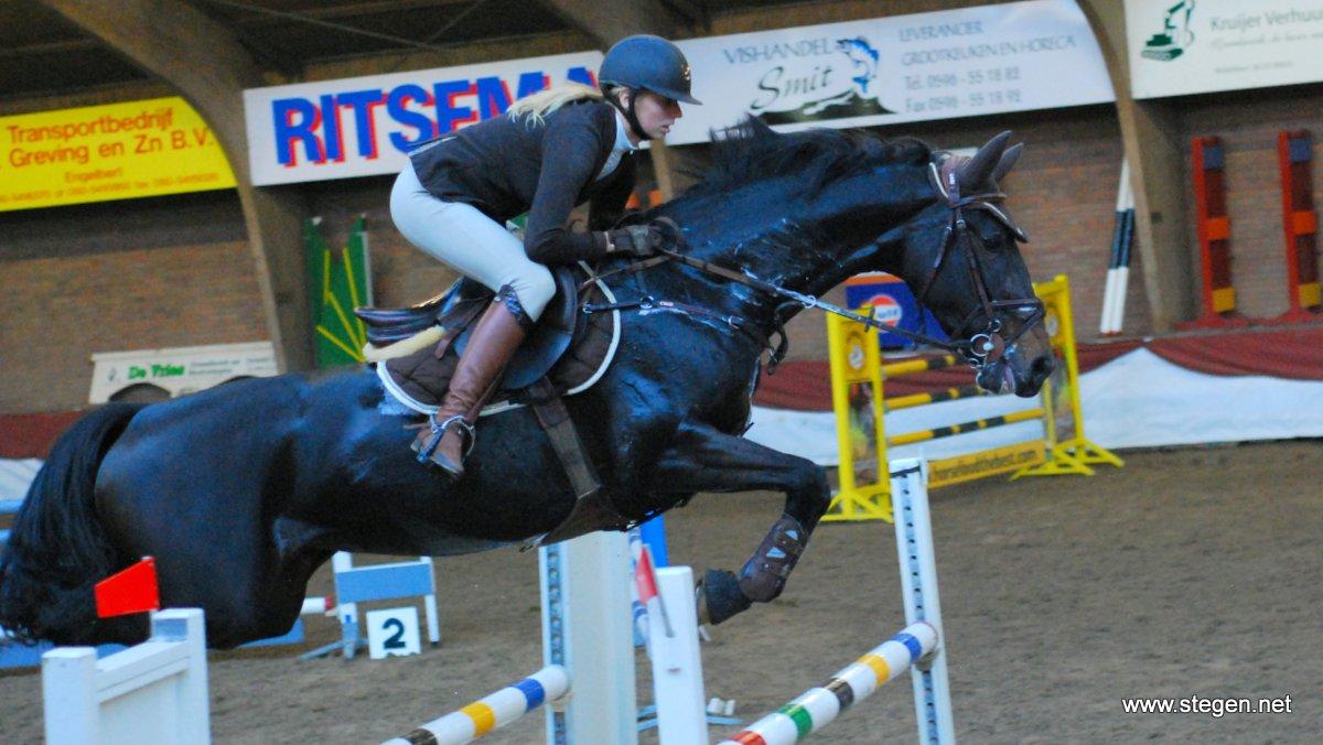Hondsrugse Ruiterdagen. Margot Norder won met Desteny de Z/ZZ-rubriek bij de Hondsrugse Ruiterdagen in Bronneger (archieffoto).