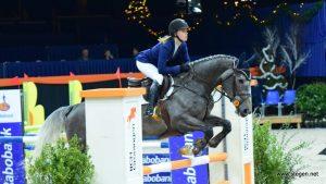 Maureen Bonder schittert in L-finale Indoor Groningen