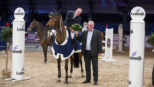 Michael Greeve wint met 'familiepaard' Whitney BB tijdens ICNN Drachten