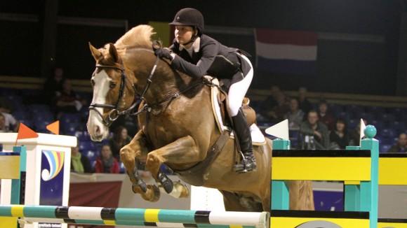 Nicole Botma pakte met Aniviero Z de overwinning in het ZZ-progressief. ©Roos Meertens