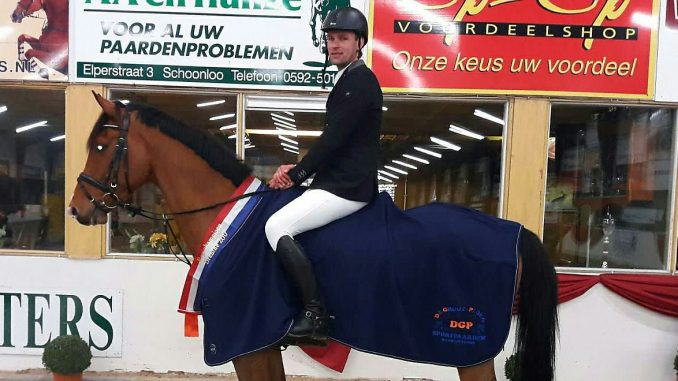 Peter Hokse werd met Gontos Drents kampioen in de klasse M. foto: KNHS Drenthe