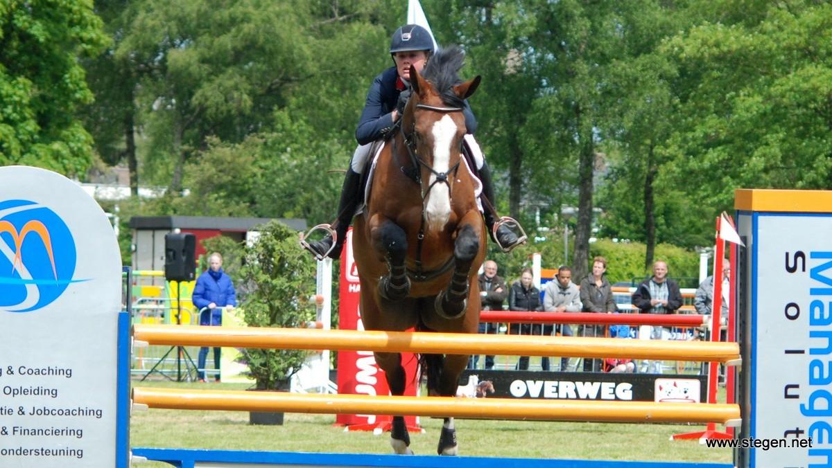 Renate Beuving won met Desteny de finale op het CH Rouveen.