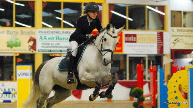 Saskia Brinkman werd met Hentel Drents kampioen in de klasse Z cat. C. foto: Steven Stegen