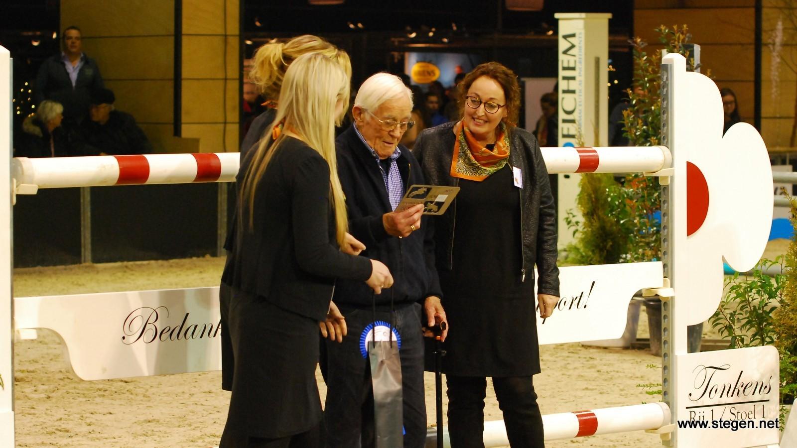 Schelto Tonkens bij de hindernis die hij heeft aangeboden aan Indoor Groningen.