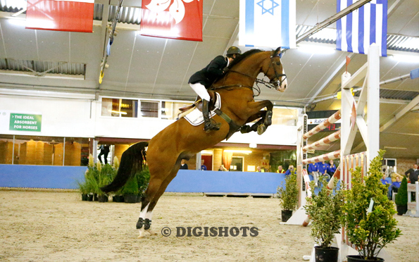 Sjaak Sleiderink deelt zege in Six Bar CSI Salland