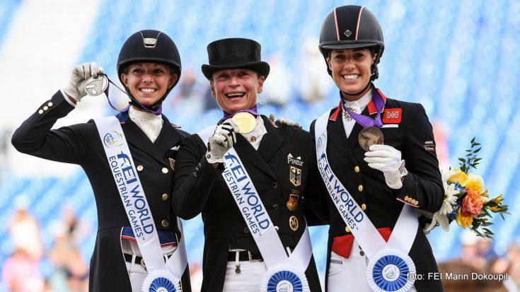 Het podium bij de Grand Prix Special met Laura Graves, Isabell Werth en Charlotte Dujardin.