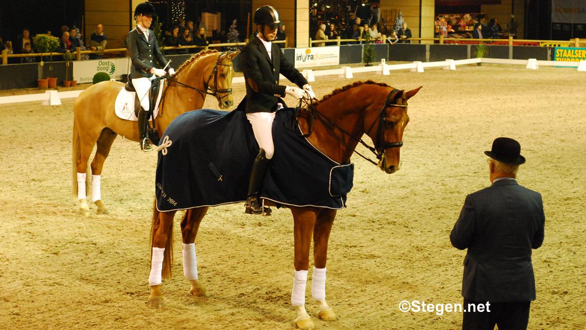 De prijsuitreiking in de Z1, met winnaar Bronno Bloem en Linda Kouwenhoven. ©Steven Stegen