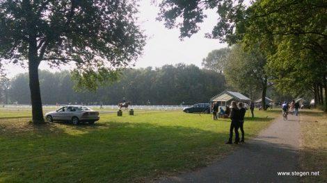 Blik op het dressuurveld in park Borgerswold in Veendam.
