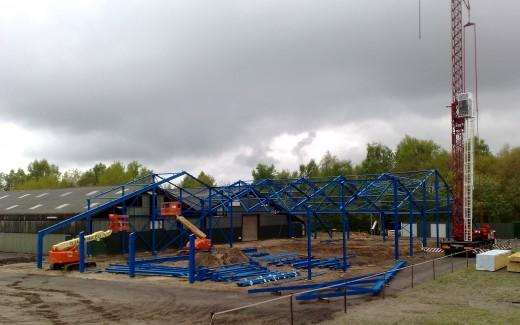 De bouw van de nieuwe hal