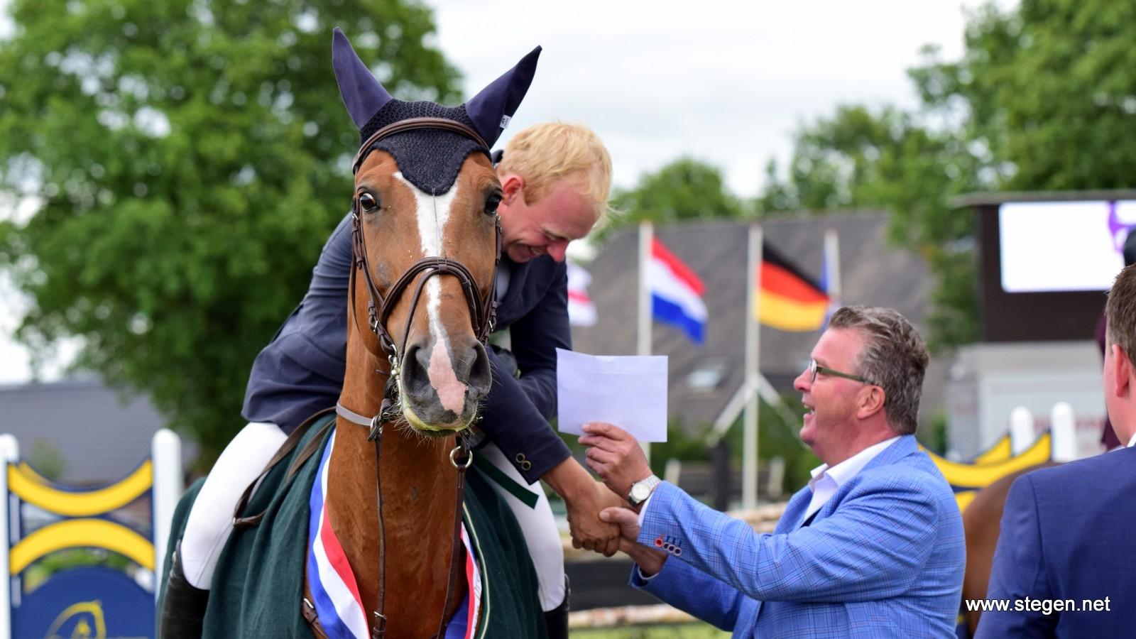Derby van Drenthe bij Hippisch Holtrijk prooi voor Lennard de Boer