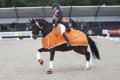 Lisanne Zoutendijk werd met Kostendrukkers Ringo Star kampioen bij de Junioren.