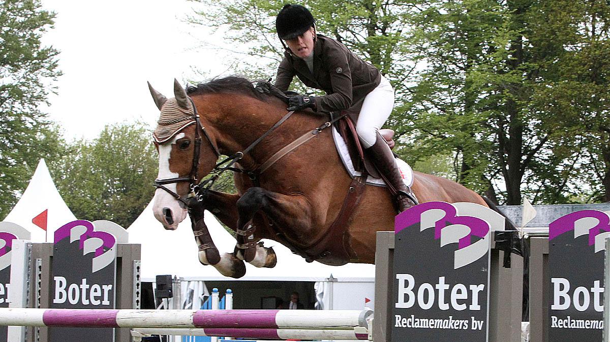 Marianne Boerema wint 1.40 op CH Eext met Wakey Wakey