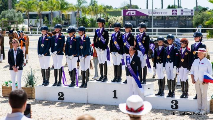 Zilveren medaille voor Nederlands Children team op EK dressuur